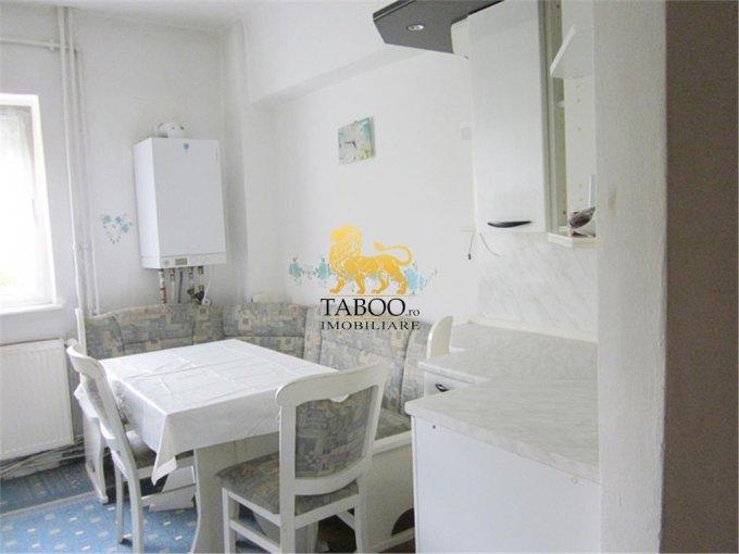 inchiriere apartament decomandat, zona Aleea Parc, orasul Sebes, suprafata utila 55 mp