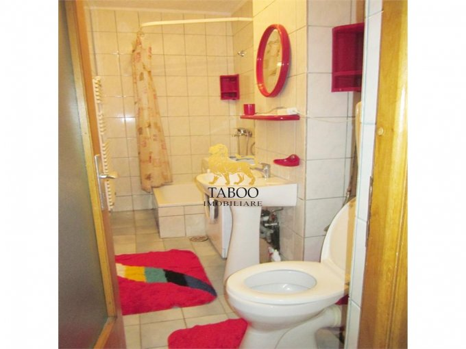vanzare apartament decomandat, zona Aleea Parc, orasul Sebes, suprafata utila 55 mp