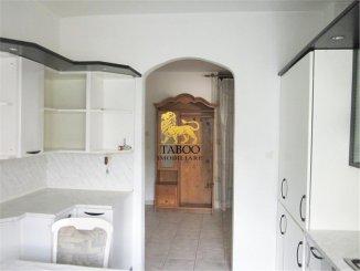 agentie imobiliara vand apartament decomandat, in zona Aleea Parc, orasul Sebes