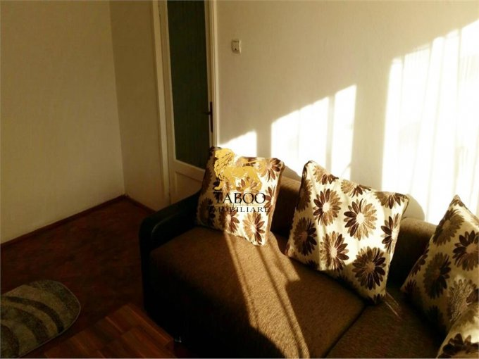 inchiriere apartament cu 2 camere, decomandat, in zona Lucian Blaga, orasul Sebes