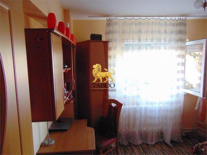 Alba Alba Iulia, zona Ampoi 2, apartament cu 2 camere de vanzare