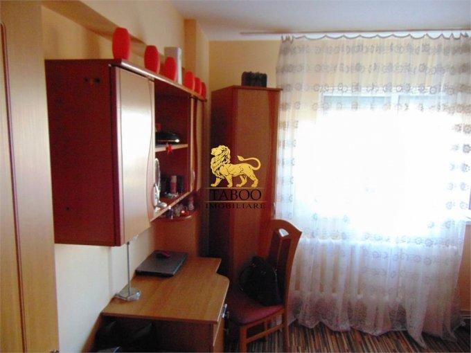 agentie imobiliara vand apartament semidecomandat, in zona Ampoi 2, orasul Alba Iulia
