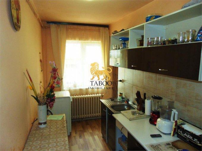 Apartament cu 2 camere de vanzare, confort 1, zona Cetate,  Alba Iulia Alba