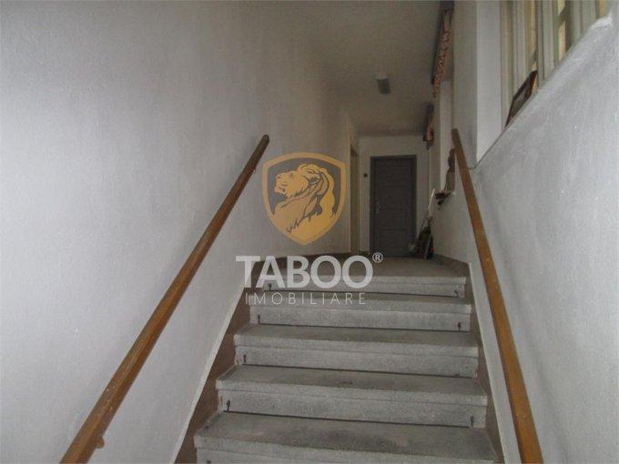 inchiriere apartament decomandat, zona Lucian Blaga, orasul Sebes, suprafata utila 80 mp