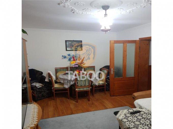 vanzare apartament decomandat, orasul Sebes, suprafata utila 55 mp