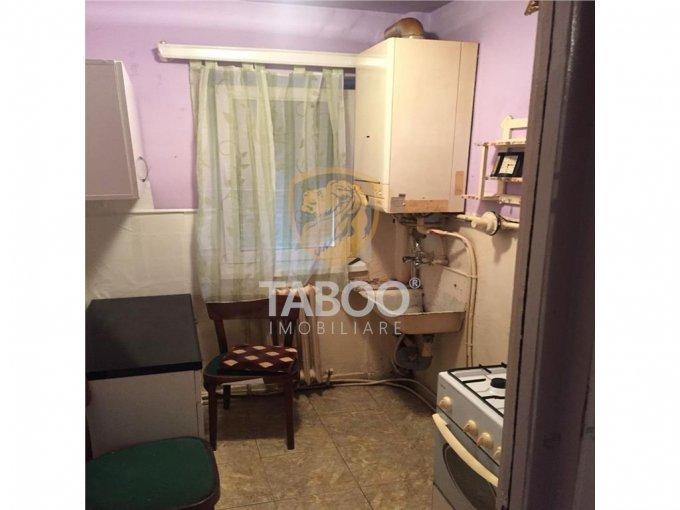agentie imobiliara inchiriez apartament decomandat, orasul Sebes