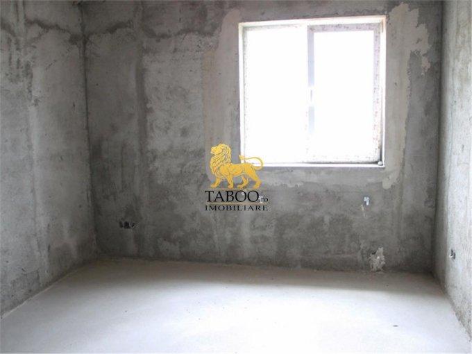 vanzare apartament decomandat, zona Drumul Petrestiului, orasul Sebes, suprafata utila 83 mp
