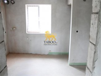 vanzare apartament cu 3 camere, decomandat, in zona Drumul Petrestiului, orasul Sebes