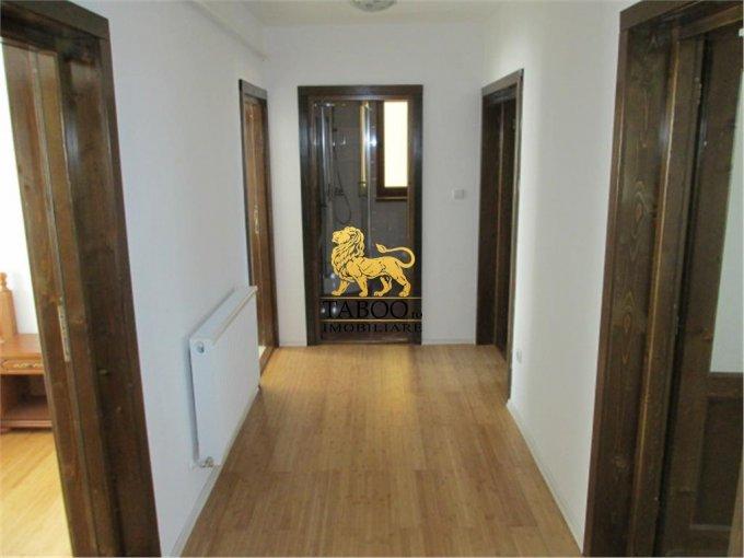 Apartament cu 3 camere de vanzare, confort 1, zona Drumul Petrestiului,  Sebes Alba