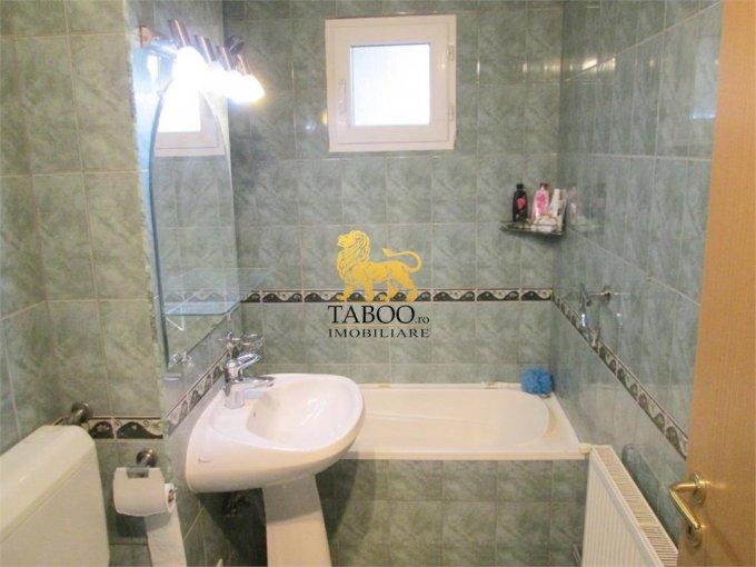inchiriere apartament cu 3 camere, decomandat, in zona Lucian Blaga, orasul Sebes