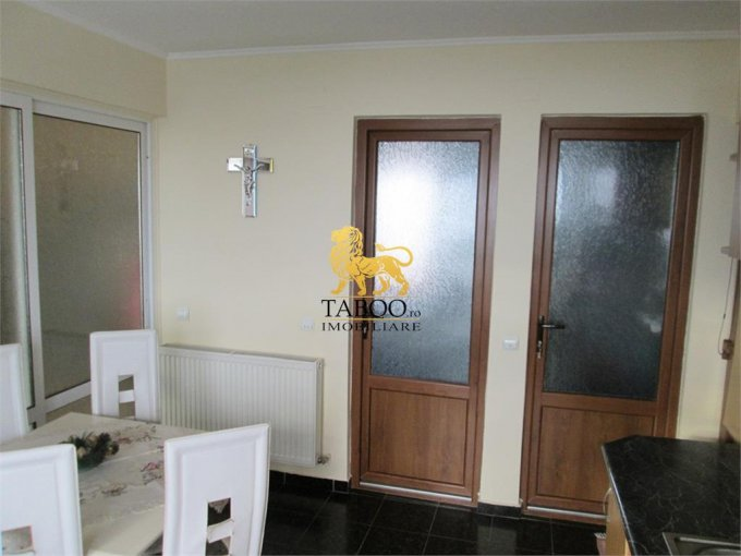 Alba Sebes, zona Drumul Petrestiului, apartament cu 3 camere de vanzare