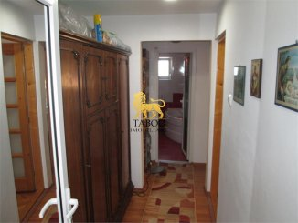 Apartament cu 3 camere de vanzare, confort 1, zona Aleea Parc,  Sebes Alba