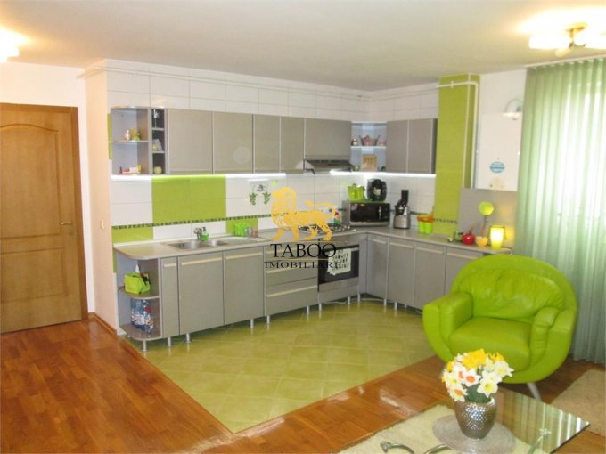 Apartament cu 3 camere de vanzare, confort 1, zona Centru,  Alba Iulia Alba