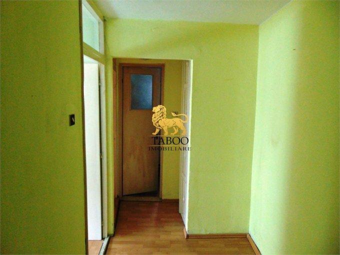 vanzare apartament decomandat, zona Industriala, orasul Alba Iulia, suprafata utila 65 mp