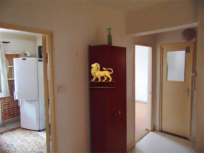 Alba Alba Iulia, zona Ampoi 2, apartament cu 3 camere de vanzare