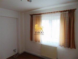 vanzare apartament cu 3 camere, decomandat, in zona Ampoi 2, orasul Alba Iulia