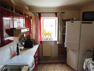 agentie imobiliara vand apartament decomandat, in zona Ampoi 2, orasul Alba Iulia