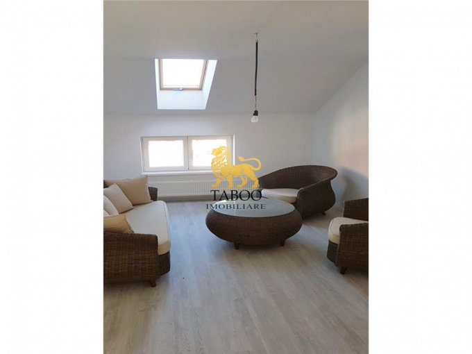 inchiriere apartament cu 3 camere, decomandat, orasul Sebes
