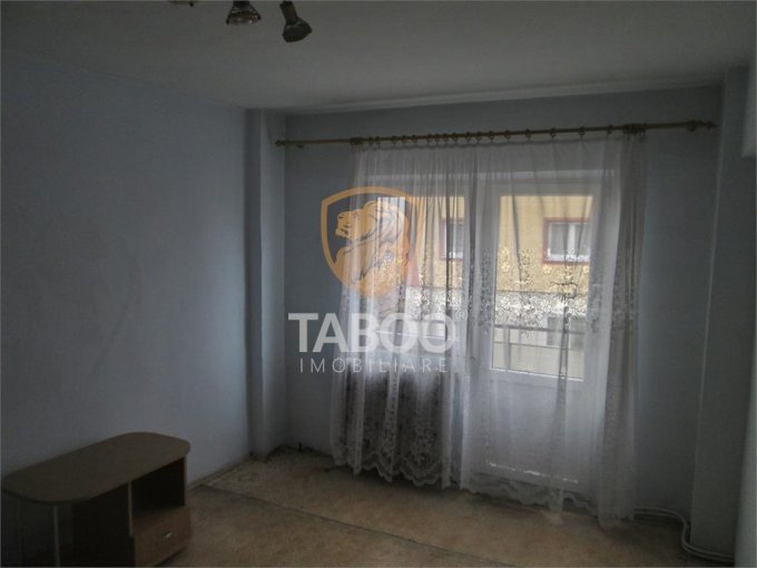 vanzare apartament decomandat, zona Aleea Parc, orasul Sebes, suprafata utila 70 mp