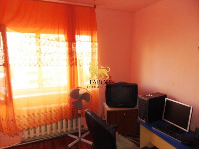 Alba Alba Iulia, zona Cetate, apartament cu 3 camere de vanzare