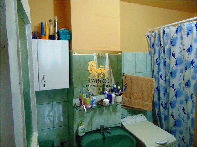 vanzare apartament cu 3 camere, semidecomandat, in zona Ampoi 1, orasul Alba Iulia
