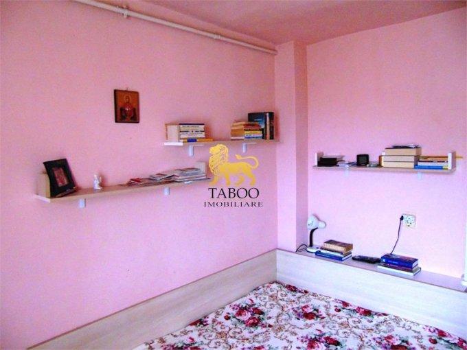 Alba Alba Iulia, zona Ampoi 1, apartament cu 3 camere de vanzare
