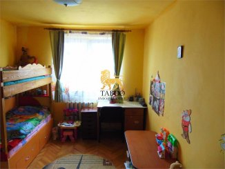 vanzare apartament semidecomandat, zona Ampoi 1, orasul Alba Iulia, suprafata utila 51 mp