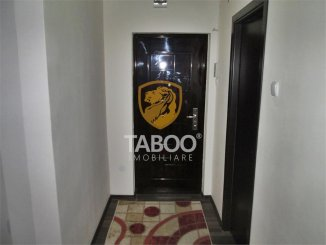 inchiriere apartament decomandat, zona Aleea Parc, orasul Sebes, suprafata utila 72 mp