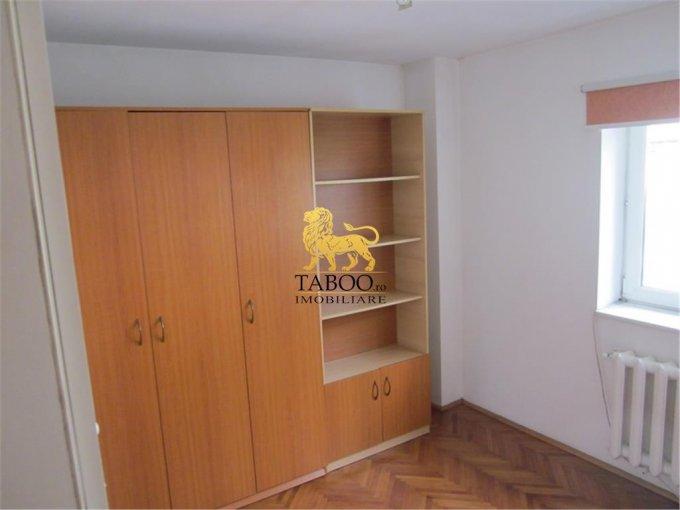 Alba Sebes, zona Lucian Blaga, apartament cu 4 camere de vanzare