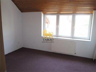 inchiriere apartament cu 4 camere, decomandat, orasul Sebes
