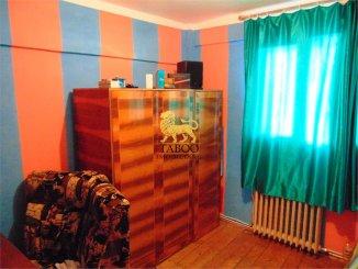 agentie imobiliara vand apartament decomandat, in zona Ampoi 1, orasul Alba Iulia