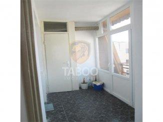 vanzare apartament cu 4 camere, decomandat, orasul Sebes