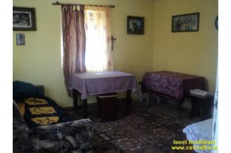 vanzare casa de la agentie imobiliara, cu 2 camere, in zona Partos, orasul Alba Iulia