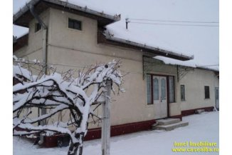 Alba Alba Iulia, zona Centru, casa cu 2 camere de vanzare de la agentie imobiliara