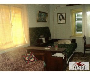 vanzare casa de la agentie imobiliara, cu 3 camere, comuna Dostat