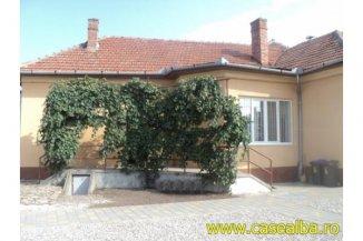 Casa de vanzare cu 3 camere, in zona Centru, Alba Iulia Alba