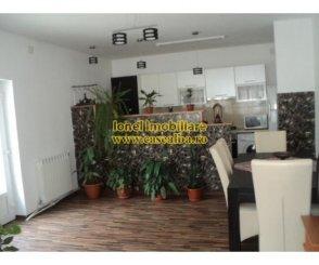 Alba Alba Iulia, zona Centru, casa cu 3 camere de vanzare de la agentie imobiliara