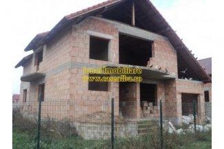 Alba Alba Iulia, casa cu 4 camere de vanzare de la agentie imobiliara