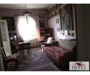 agentie imobiliara vand Casa cu 4 camere, zona Centru, orasul Alba Iulia