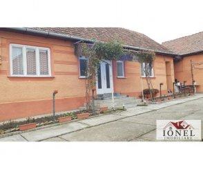 vanzare casa de la agentie imobiliara, cu 4 camere, localitatea Coslariu