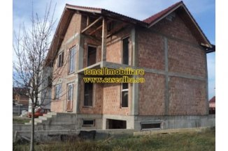 Alba Alba Iulia, zona Micesti, casa cu 5 camere de vanzare de la agentie imobiliara