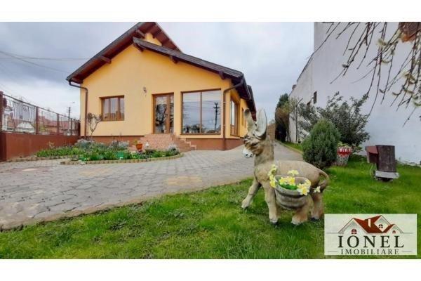 vanzare casa de la agentie imobiliara, cu 5 camere, in zona Centru, orasul Alba Iulia
