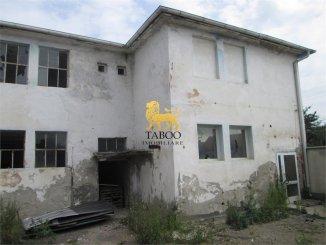 vanzare Spatiu industrial 800 mp cu 8 incaperi, 2 grupuri sanitare, orasul Sebes
