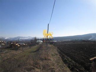 vanzare teren intravilan de la agentie imobiliara cu suprafata de 1400 mp, localitatea Petresti