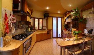 Vila de vanzare cu 1 etaj si 4 camere, Aiud Alba