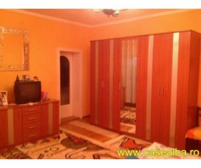 vanzare vila de la agentie imobiliara, cu 1 etaj, 7 camere, in zona Cetate, orasul Alba Iulia