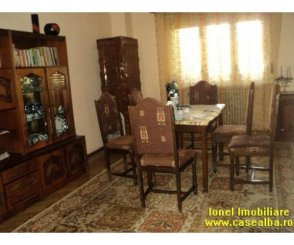 Vila de vanzare cu 1 etaj si 6 camere, in zona Cetate, Alba Iulia Alba