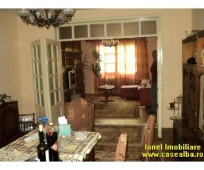Alba Alba Iulia, zona Cetate, vila cu 6 camere de vanzare de la agentie imobiliara