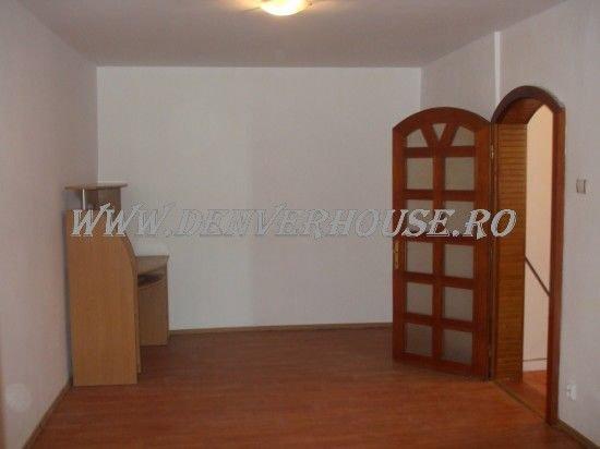 vanzare apartament decomandat, zona Barbu Vacarescu, orasul Arad, suprafata utila 70 mp