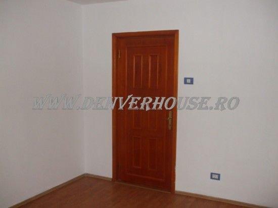 vanzare apartament cu 2 camere, decomandat, in zona Barbu Vacarescu, orasul Arad